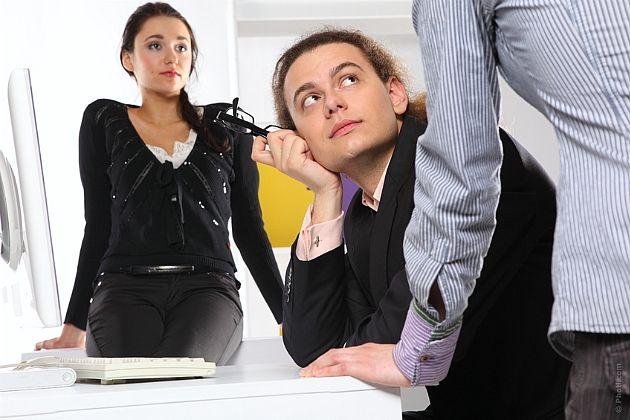 Как не поддаться на шантаж работника. Совет №1. Что делать при отказе от подписи.